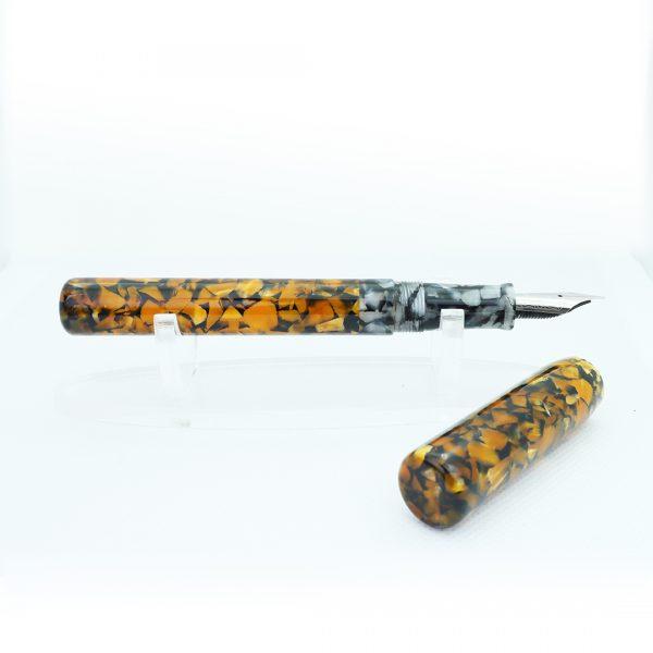 Wet and Wise Brimstone Secret fountain pen